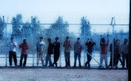γράμμα στους μετανάστες που διώκονται για την εξέγερση τηςΑμυγδαλέζας
